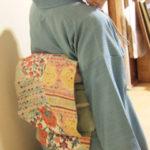 銀座煉瓦画廊さんへ。春色米沢紬に型染め更紗の帯。